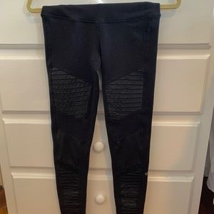 HIGH WASITED ALO MOTO LEGGINGS- SIZE EXTRA SMALL